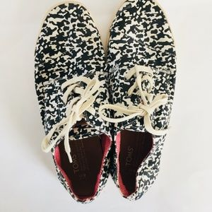 TOMS Black White Canvas Sneakers